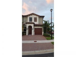 10207 NW 89 Terrace. Doral, Florida - Hometaurus