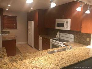 3538 Estepona Ave #D-2. Doral, Florida - Hometaurus