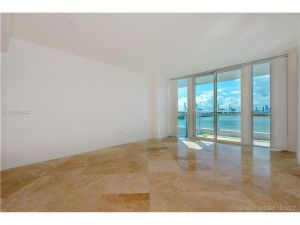 540 West Av #413. Miami Beach, Florida - Hometaurus