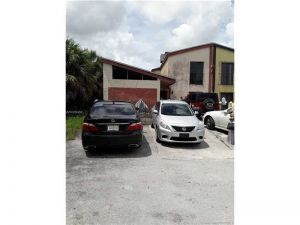 4560 NW 185th St #4560. Miami Gardens, Florida - Hometaurus