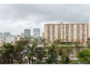 100 Bayview Dr #502. Sunny Isles Beach, Florida - Hometaurus
