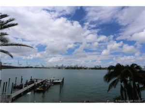 650 West Av #305. Miami Beach, Florida - Hometaurus