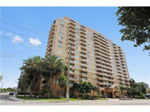 2665 SW 37th Ave #308. Miami, Florida - Hometaurus