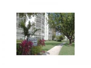 20400 W Country Club Dr #810. Aventura, Florida - Hometaurus