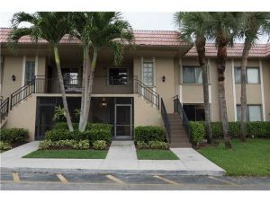 302 Lakeview Dr #103. Weston, Florida - Hometaurus