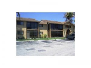 18965 NW 62nd Ave #202. Hialeah, Florida - Hometaurus
