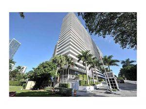 1627 SE Brickell Ave #1204. Miami, Florida - Hometaurus