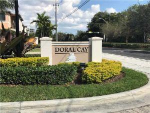 5800 NW 104th Ct #5800. Medley, Florida - Hometaurus