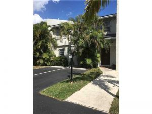 6223 SW 78th St #1b. South Miami, Florida - Hometaurus