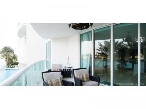 20201 E Country Club Dr #304. Aventura, Florida - Hometaurus