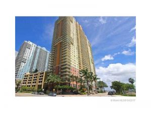 1155 Brickell Bay Dr #1407. Miami, Florida - Hometaurus