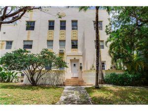 2463 Pine Tree Dr #3. Miami Beach, Florida - Hometaurus