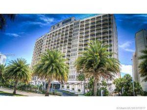 5401 Collins Ave #614. Miami, Florida - Hometaurus