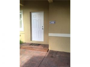 6778 SW 22nd St. Miami, Florida - Hometaurus