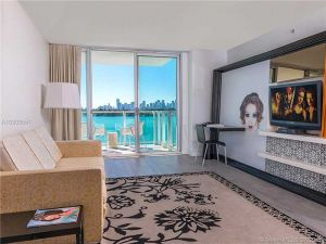 1100 West Av #716. Miami Beach, Florida - Hometaurus
