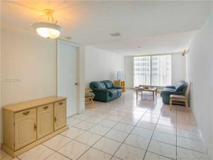 9273 Collins Ave #802. Surfside, Florida - Hometaurus