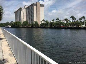 300 Bayview Dr #301. Sunny Isles Beach, Florida - Hometaurus