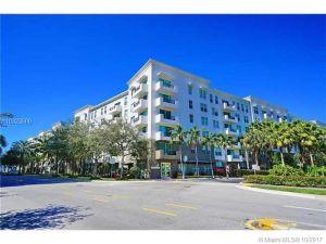2421 NE 65th St #401. Fort Lauderdale, Florida - Hometaurus
