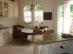 18355 NE 30th Ct #18355. Aventura, Florida - Hometaurus