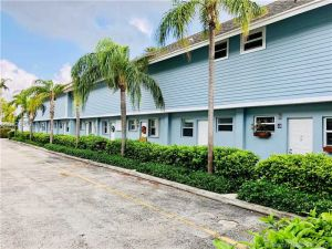 798 Crandon Bl #45-b. Miami, Florida - Hometaurus