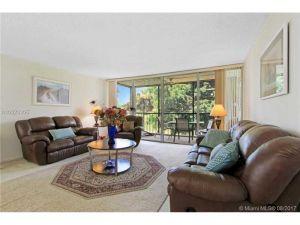 3821 Environ Blvd #301. Lauderhill, Florida - Hometaurus