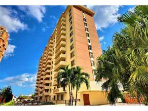 625 Biltmore Way #104. Coral Gables, Florida - Hometaurus