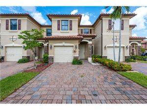 3307 W 90 St. Hialeah, Florida - Hometaurus