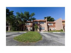 18 Madrid Ln #313. Davie, Florida - Hometaurus