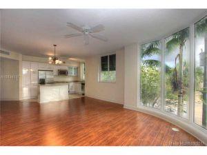 510 NW 84th Ave #527. Plantation, Florida - Hometaurus