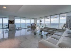 3951 S Ocean Drive #1901. Hollywood, Florida - Hometaurus