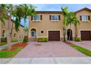 8902 SW 220th St. Cutler Bay, Florida - Hometaurus