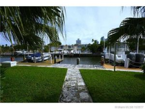 614 NE 25 Ave #0. Hallandale, Florida - Hometaurus