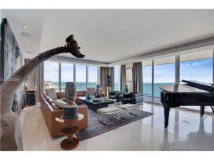 10155 Collins Ave #Ph2. Bal Harbour, Florida - Hometaurus