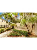 3055 Indiana St #13. Coconut Grove, Florida - Hometaurus