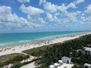 2301 Collins Av #908. Miami Beach, Florida - Hometaurus