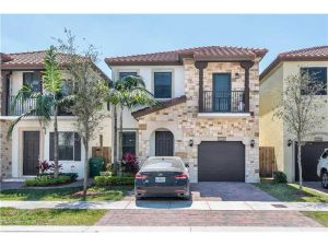10300 NW 70th Ter #10300. Doral, Florida - Hometaurus