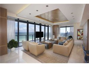 2201 Collins Ave #Ph26/2. Miami Beach, Florida - Hometaurus