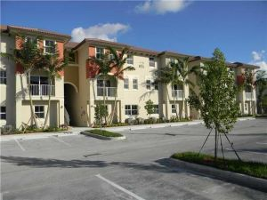 8900 NW 97th Ave #213. Doral, Florida - Hometaurus