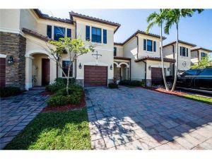 3344 W 90th Street #3344. Hialeah, Florida - Hometaurus