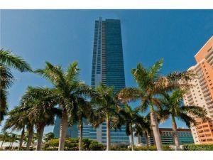 1435 Brickell Ave #3311-2. Miami, Florida - Hometaurus