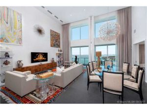 10 Venetian Way #2502/3. Miami Beach, Florida - Hometaurus