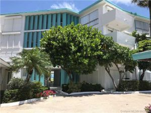 1470 S Ocean Blvd #401. Lauderdale By The Sea, Florida - Hometaurus