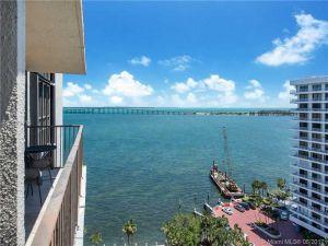 1450 Brickell Bay Dr #1505. Miami, Florida - Hometaurus