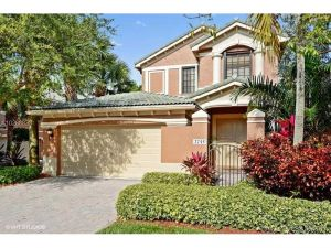 2745 Kinsington Cir #6-3. Weston, Florida - Hometaurus
