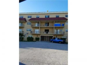 5100 SW 41st St #108. Pembroke Park, Florida - Hometaurus