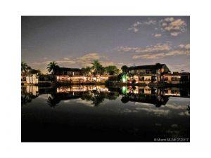6375 Jack Rabbit Ln. Miami Lakes, Florida - Hometaurus
