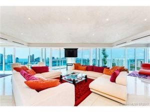 3370 Hidden Bay Dr #3500. Aventura, Florida - Hometaurus