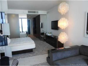 2201 Collins Ave #403. Miami Beach, Florida - Hometaurus