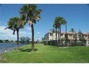 3390 NW 11 Avenue #3390. Pompano Beach, Florida - Hometaurus