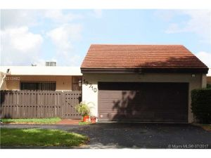 19710 W Lake Dr #19710. Hialeah, Florida - Hometaurus
